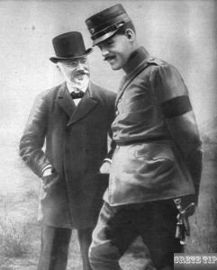 Venizelos with the army commander-in-chief Prince Constantine